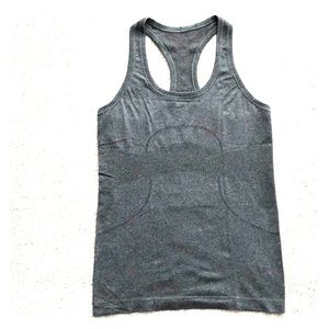 Lululemon Swiftly Speed Racerback. Grey. Size 6.